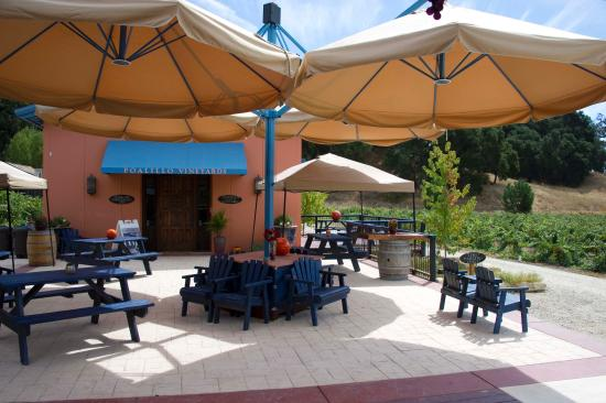 Poalillo Vineyards: Our beautiful patio