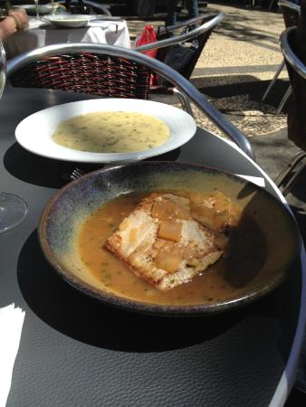 Cafe Restaurante Apolo: Mackerel in Madeira Sauce with Polenta