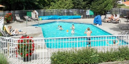 Waterbury Inn: #outdoorpool