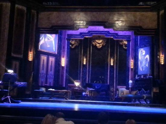 """Walnut Street Theatre: Magnificent stage for """"Private Lives'"""