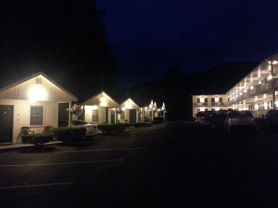 Heritage of Lake George Motel: Evening of Serenity at The Heritage