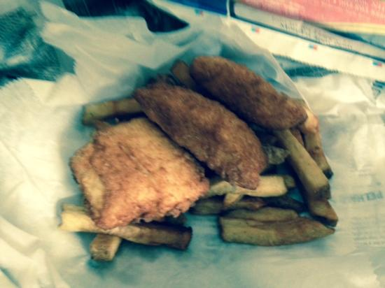 Peddlers Daughter: FISH AND CHIPS