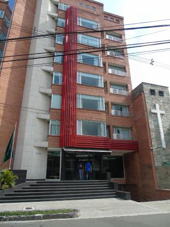 Hotel Egina Medellin : Front Entrance