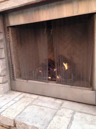 SpringHill Suites Grand Forks: Outdoor Fireplace in use