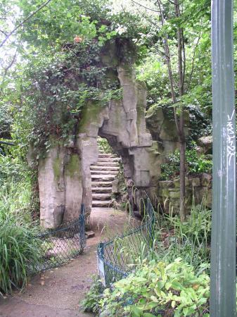 View From Street Level Downward Picture Of Jardin De La