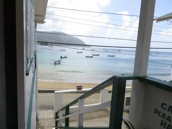 Charlotteville, Tobago: Porch/stairs leading out of the apartment