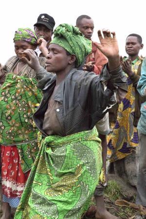 Mount Gahinga Lodge: Batwa performers