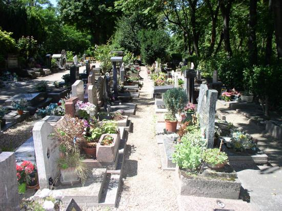 Cemetery of the Dogs (Cimetiere des Chiens)