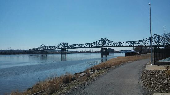 East Peoria, IL: Murray Baker Bridge
