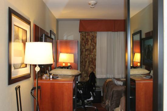 Ramada Staten Island: Chambre Propre
