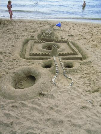 Lake Mills, WI: sandy beach art