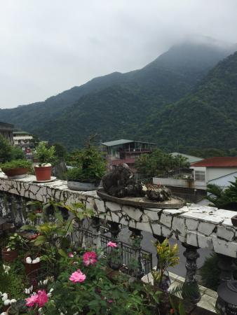 Hotspring World Wulai: 餐廳外