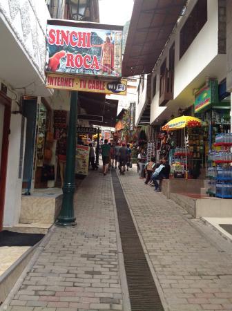 Inti Winaywayna : Ladeira em frente ao hotel