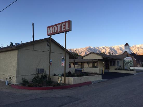 Lone Pine Budget Inn Motel