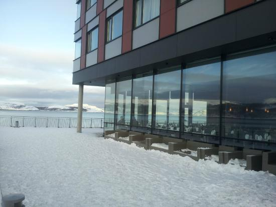 Thon Hotel Kirkenes: Front of hotel