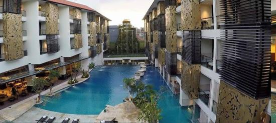 The Trans Resort Bali: The rooms are set facing the pool, with good sunlight
