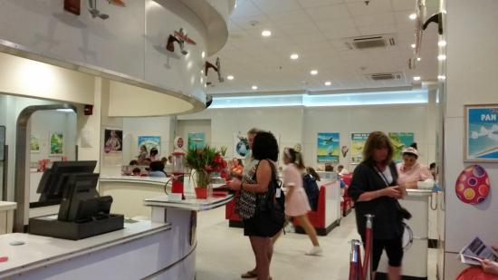 Ruby's Diner : Inside
