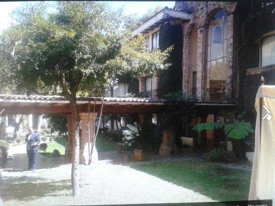Hermosos jardines y propiedad hecha en cantera con sus for Expo casa y jardin 2015 wtc