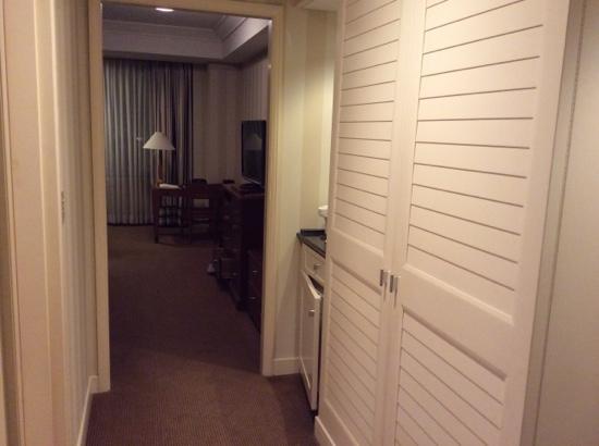 Imperial Hotel Osaka: entrance to room 1527