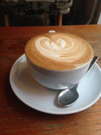 Konrad Cafe & Bar: cappucino