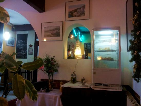 Abbazia : Взгляд на вход