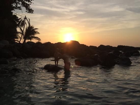 Freedom Beach: Захід сонця