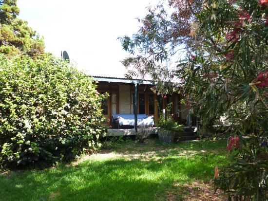 Kangaroo Island Garden Cottages: Exterior of cottage