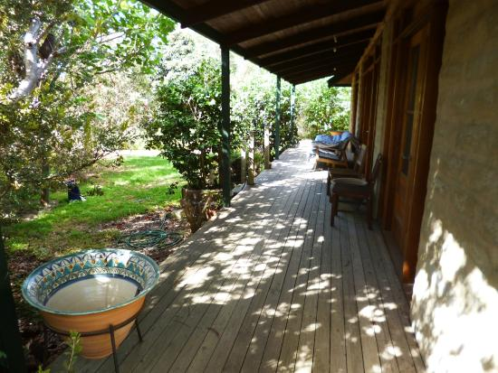 Kangaroo Island Garden Cottages: Verandah