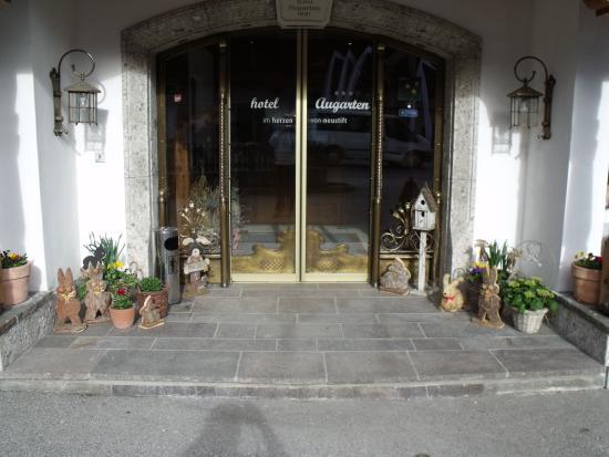 Hotel Augarten: Eingang vom Hotel