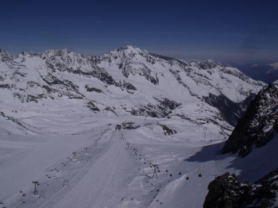 Hotel Augarten: Skifahren am Gletscher
