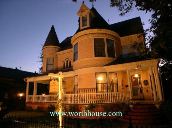 C.W. Worth House Bed and Breakfast : In Historic Wilmington, NC