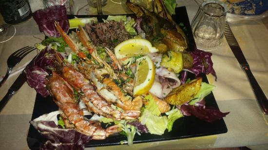https://media-cdn.tripadvisor.com/media/photo-s/07/a2/4b/83/l-acquacheta-ristorante.jpg