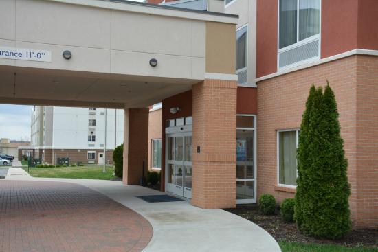 Fairfield Inn & Suites Paducah: Outside entrance