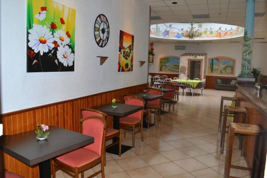 Hotel d 39 angleterre salon de provence france voir les for Bowling salon de provence tarif