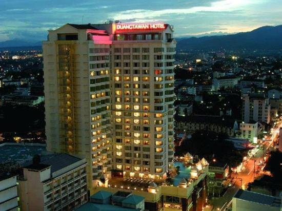 Duangtawan Hotel Chiang Mai: Hotel Location of Night Market area