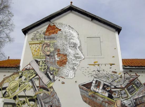 Lisbonne Âme & Secrets : une oeuvre de pixel PANCHO ....génial