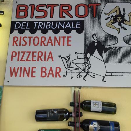 Bar Enoteca Piazza delle Erbe: L'insegna