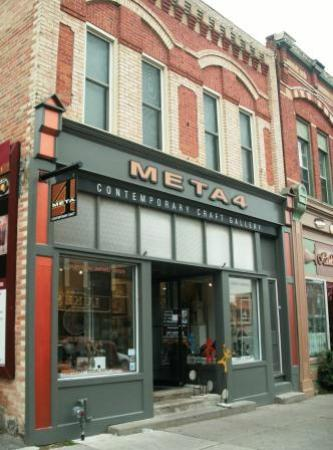 Port Perry, Kanada: META4 Gallery is centrally located, beside the Post Office