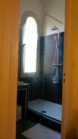 Hotel Le Mas des Citronniers: Salle de Bain