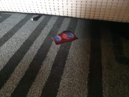 A-One Bangkok Hotel: Used condom