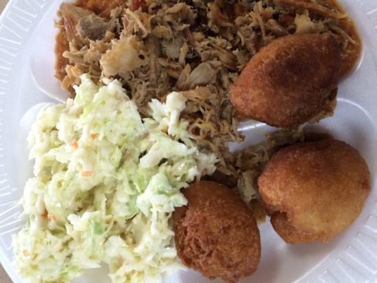 Duke's Bar-B-Que: Barbecue plate with slaw and hush puppies