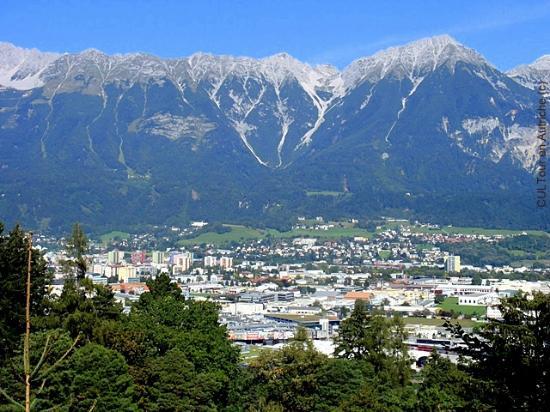Innsbrucker Nordkettenbahnen: Innsbruck et la chaîne des Alpes Nordkette