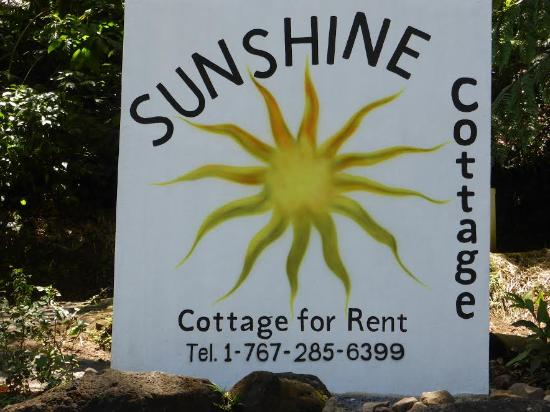 Sunshine Cottage: The Sunshine sign by the road