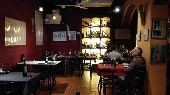 Sal n comedor restaurante cal purgat picture of cal - Spa vilanova i la geltru ...