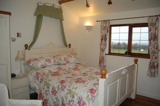 Fern Cottage Bed & Breakfast: Pretty bedroom