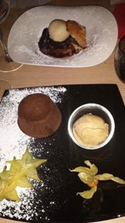 Best Western Plus Hyeres Cote D'Azur : Desserts : coulant au chocolat et Financier aux fruits pochés