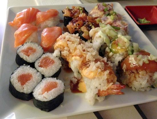 Admirable Sushi Del Buffet Libre En La Mesa No En La Cinta Giratoria Interior Design Ideas Inamawefileorg