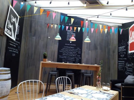 Comedor en patio interior - Picture of SALAZOGUE Bistronomie ...