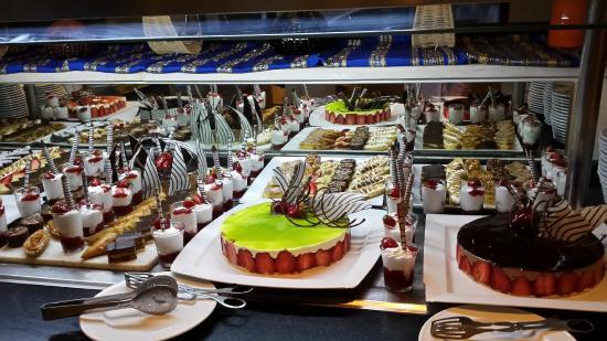 SENTIDO Djerba Beach: Le buffet des desserts....