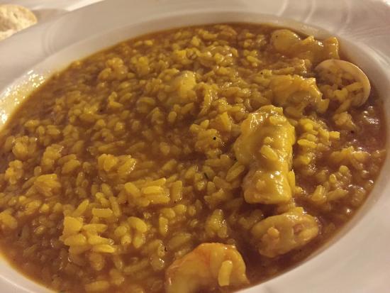 Albacete, Espagne : Estupendo arroz con cocochas de bacalao, gambas y almejas. Buenísimo.